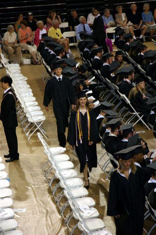 Helen_returning_diploma